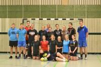 Drittliga Handballer der SG LVB zu Gast bei Tauchaer Handball-Mädels